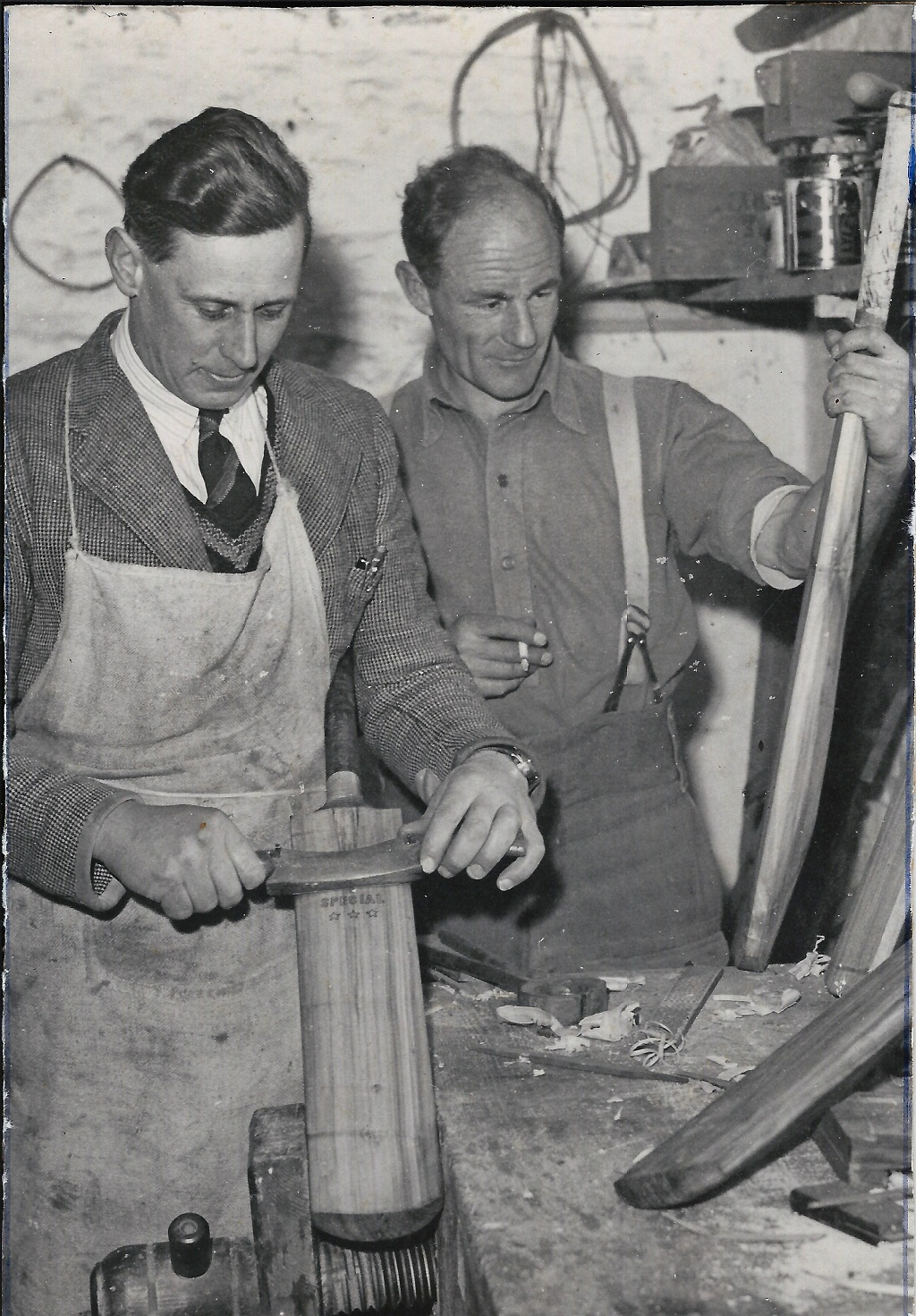 Cecil Barnes & Jack Osborne trying their hand at making a cricket bat