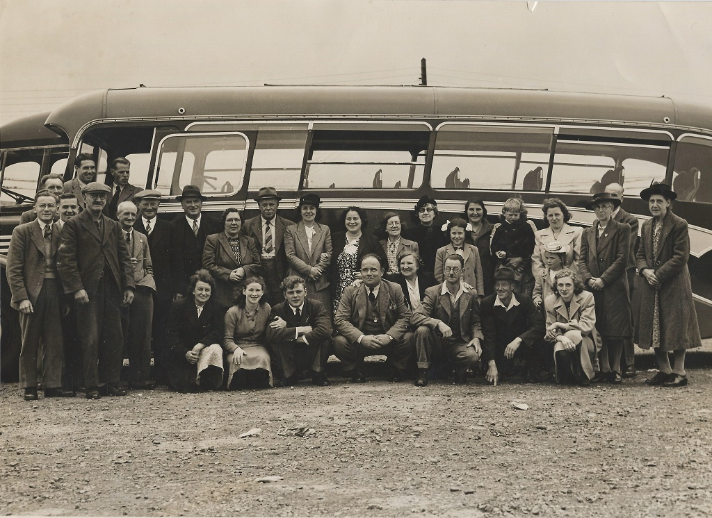 Lodsworth coach outing c.1947